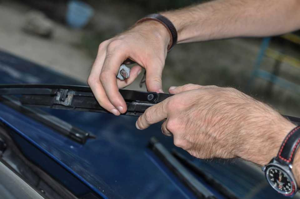 Как восстановить щетки стеклоочистителя автомобиля