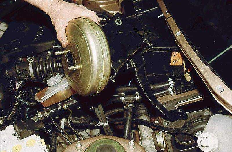 Ваз 2110 тугие тормоза. тугая педаль тормоза: причины и их устранение