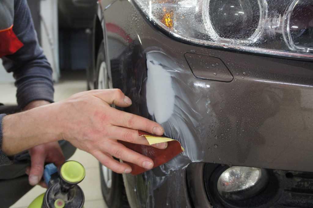 Как заделать царапины на автомобиле своими руками, обзор типов царапин и способов их устранения.