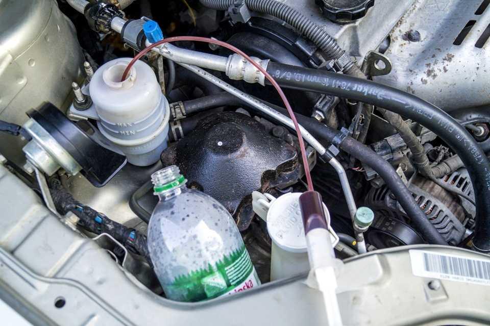 Несколько способов замены жидкости в гидроусилителе самостоятельно