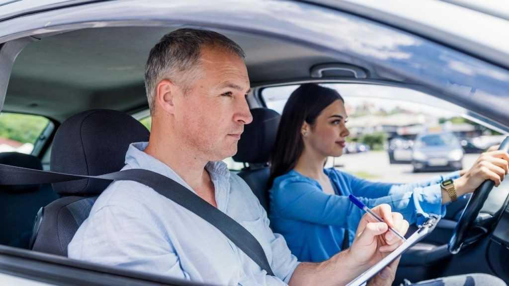 Как научиться водить машину советы автоледи