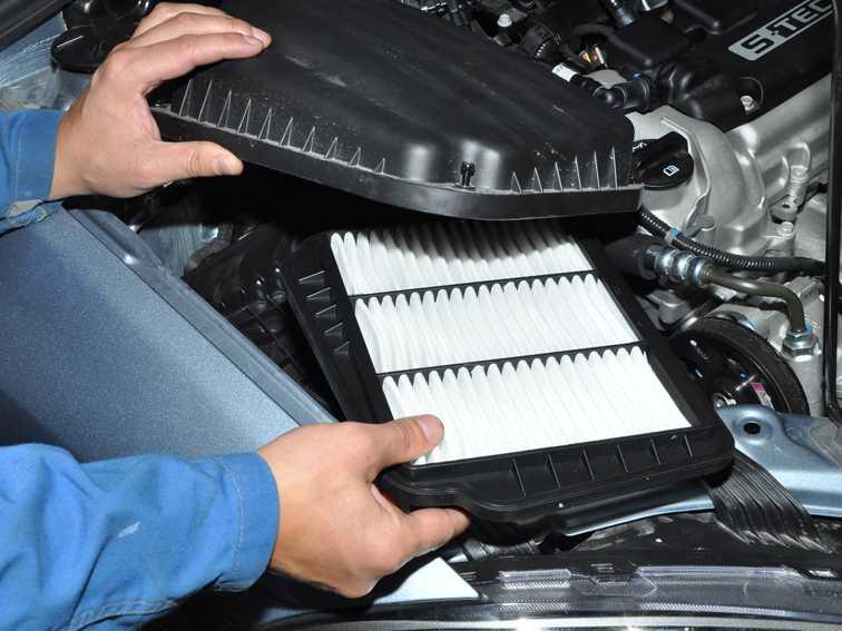Когда менять воздушный фильтр в машине, процесс замены