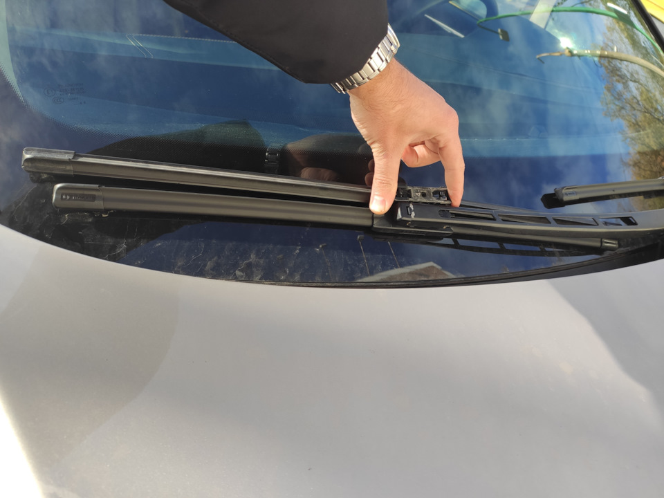 Ремонт щеток дворника автомобиля своими руками