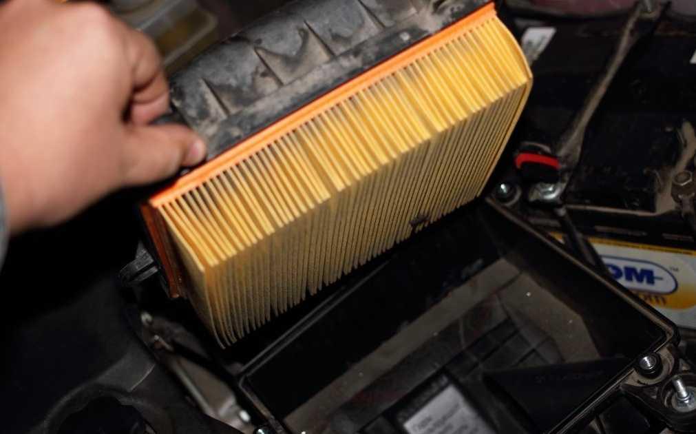 Как прочистить воздушный фильтр своими руками? – автоновости и советы по ремонту автомобиля
