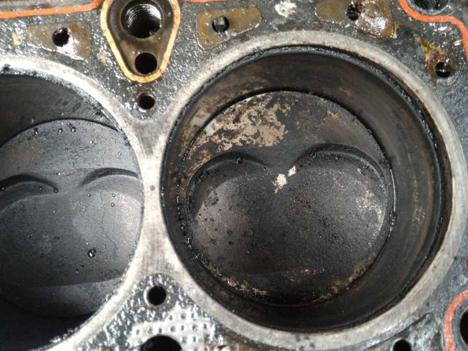 Двигательзашумел или застучал после замены масла