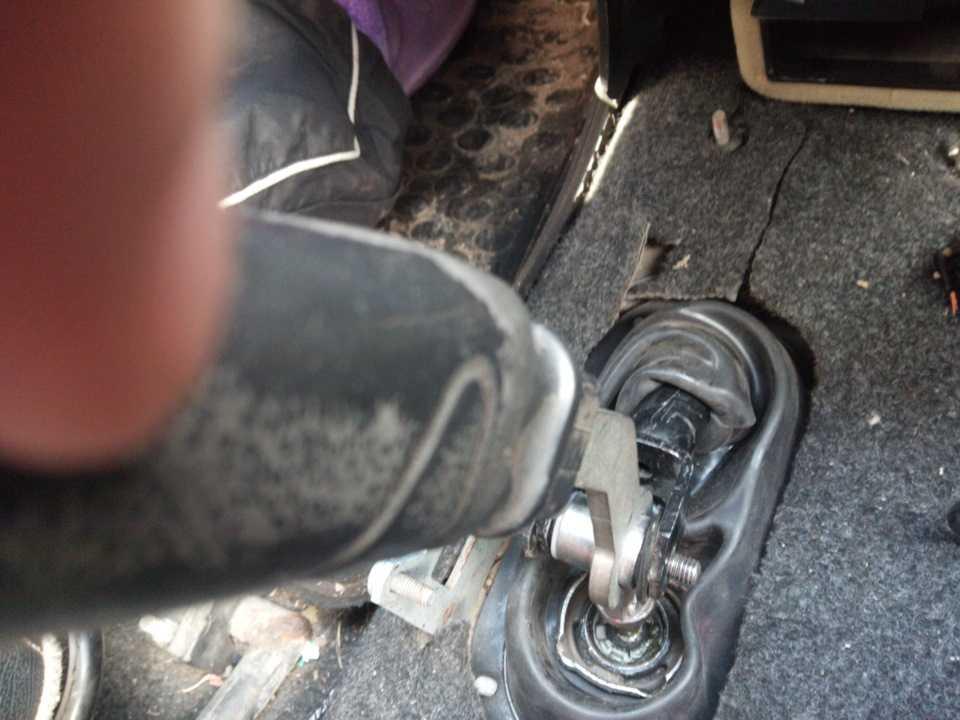 Лайфхак: как снять ручку кпп на автомобиле приора 1 и 2