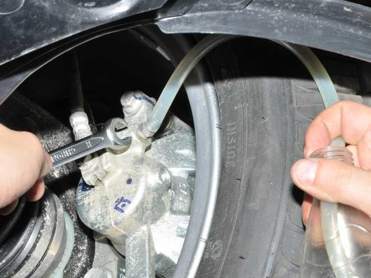 Как правильно прокачать тормоза