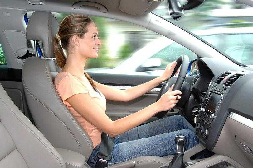Спинку назад. какие ошибки допускает водитель при посадке за рулем?   безопасность   авто