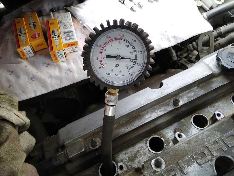 Как проверить компрессию в цилиндрах двигателя?