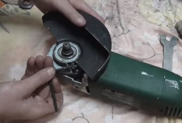 Щётки для болгарки: в чём состоят причины быстрого стирания угольных и графитовых электрощёток