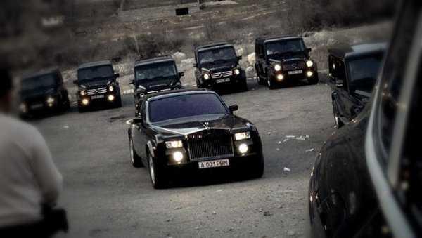 Крутые гангстеры на машине