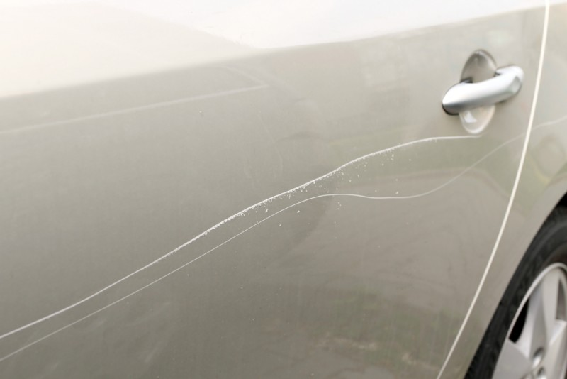 Как убрать глубокие царапины на машине: способы реставрации кузова автомобиля подручными средствами, шлифовкой, полировкой