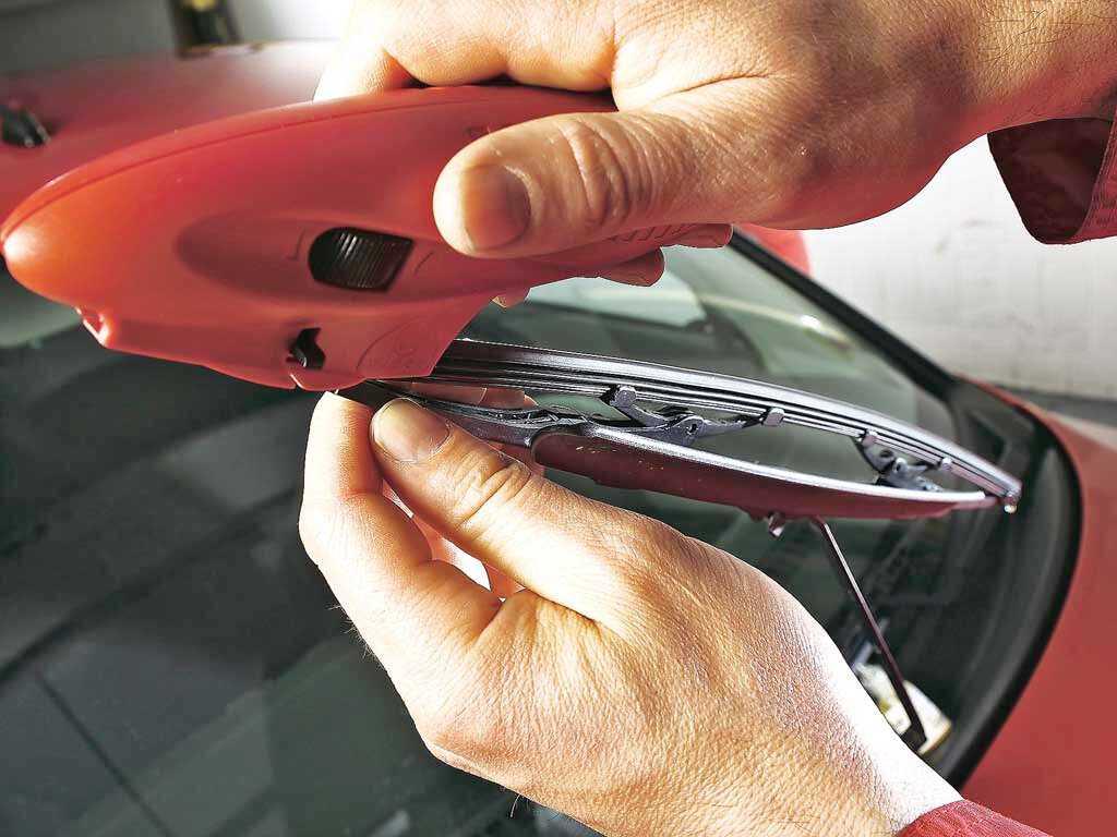 Чем смазать дворники автомобиля чтобы не скрипели