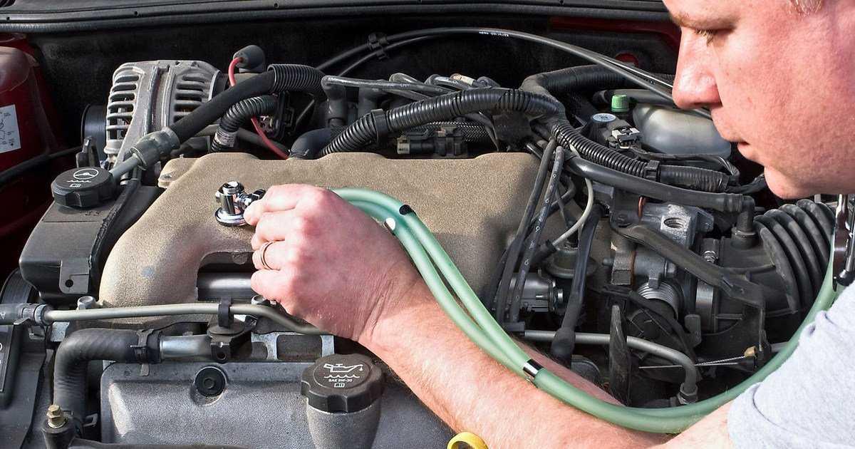 Стук в двигателе – особенности и причины