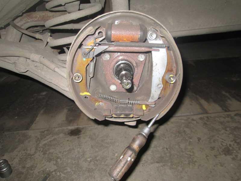 Проверка степени износа тормозных колодок и дисков renault duster