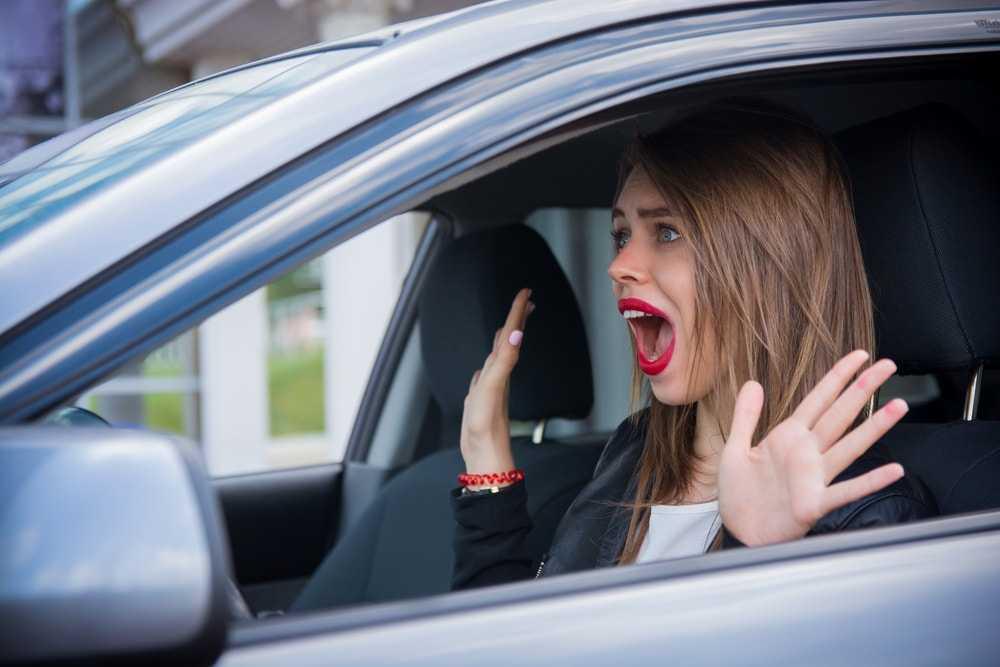 Какие существуют мифы о женщине за рулем