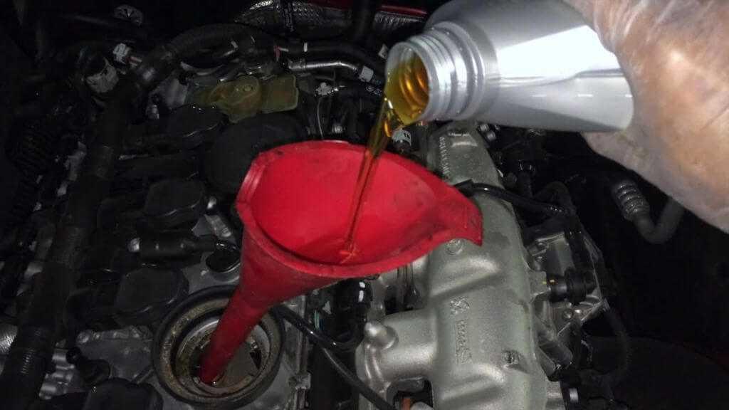 Как производится замена масла в двигателе ауди? — maslomotors.ru