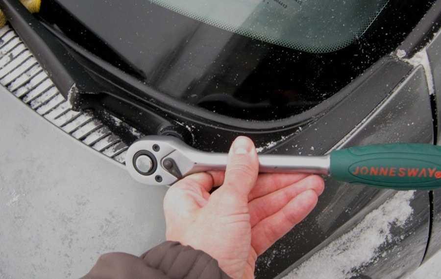 Как восстановить старые дворники на авто: что делать при загрязнении чистящего элемента и описание процедуры, необходимые инструмент