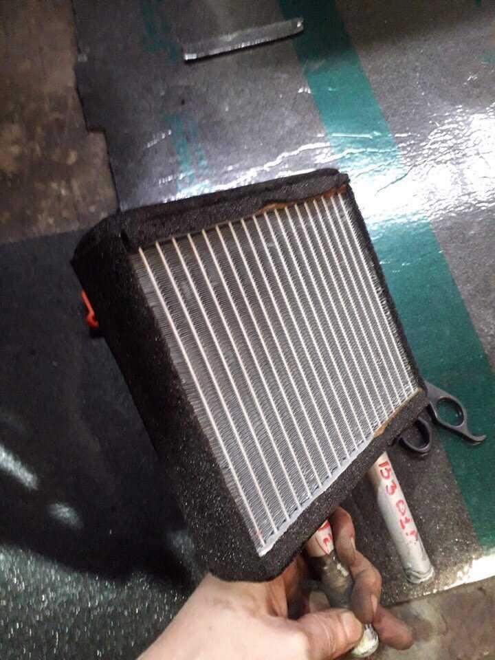 Почему в машине плохо греет печка (причины) и что делать если не работает отопитель салона?