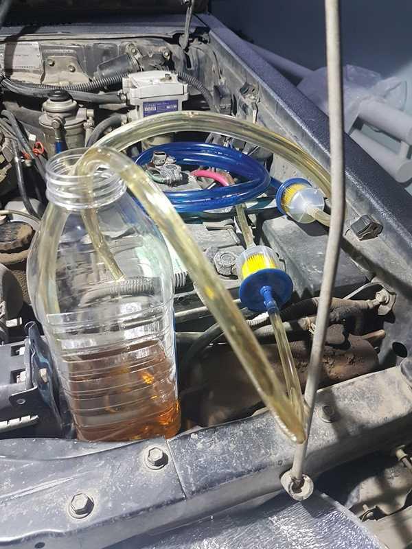 Куда заливается гидравлическое масло