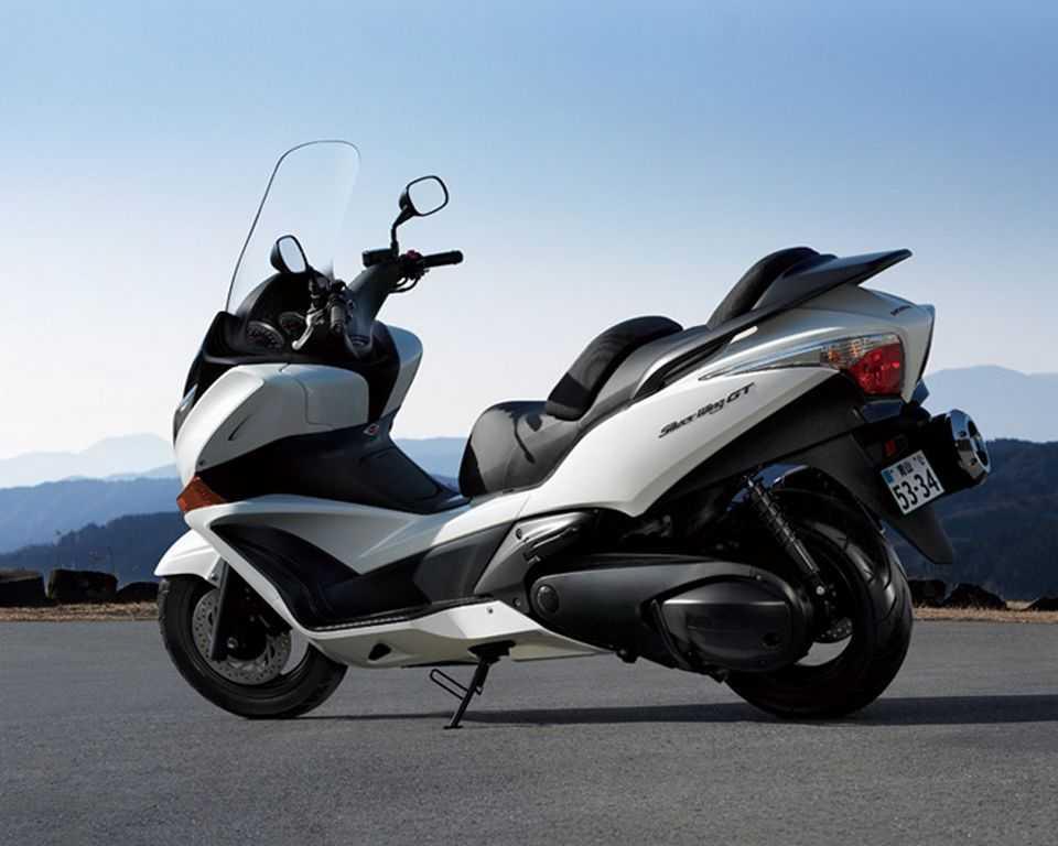 Какой скутер или мопед лучше выбрать и купить взрослому - топ лучших моделей и рейтинг по надежности