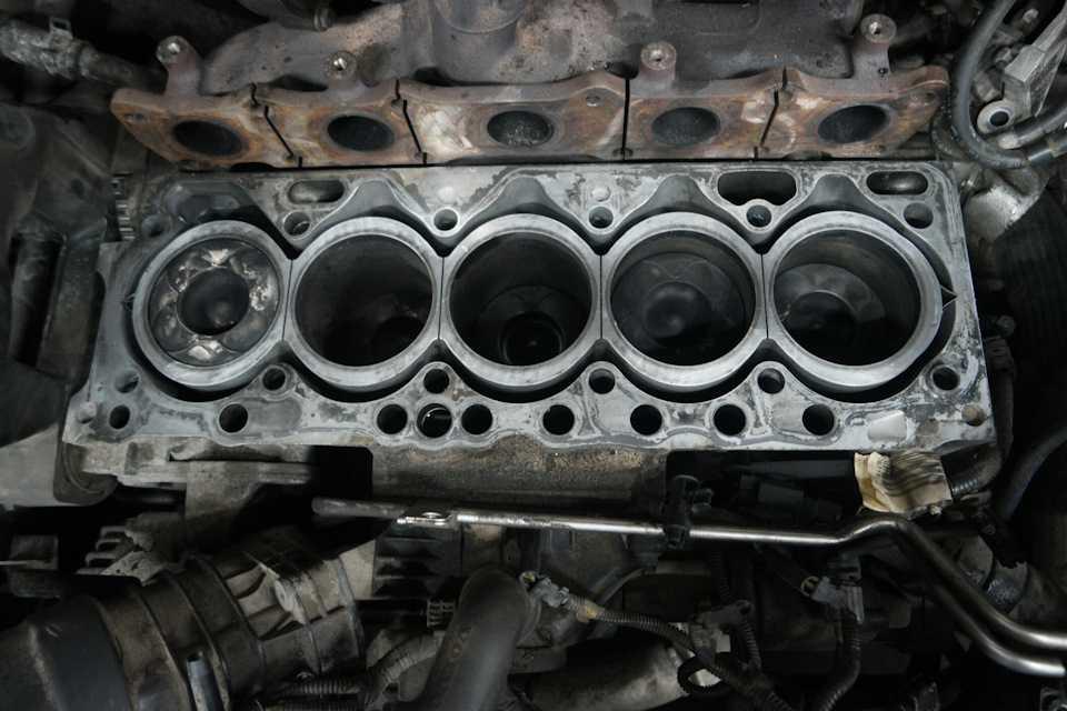Замена прокладки головки блока цилиндров 8 и 16 клапанов своими руками