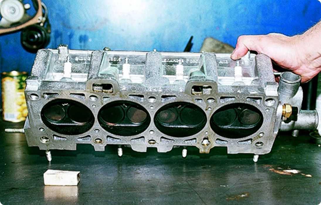 Отремонтировать или купить головку блока цилиндров двигателя