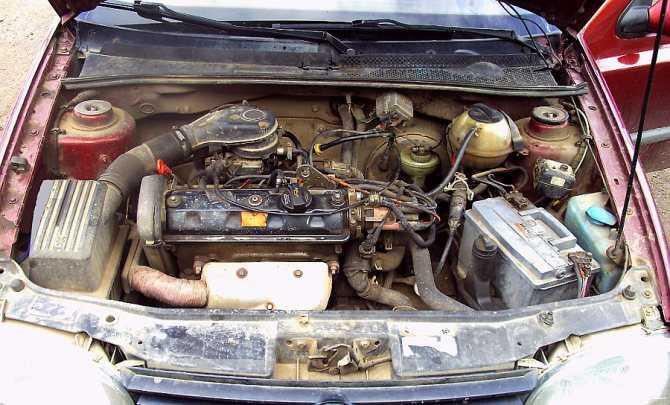 Почему двигатель машины глохнет при нажатии на педаль газа?