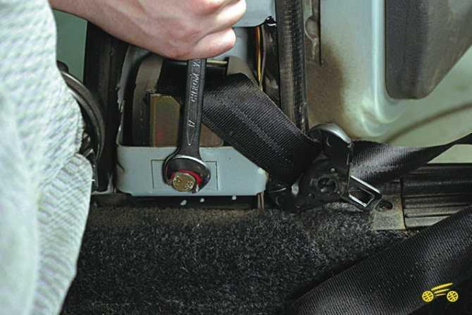 Чиним и меняем ремень безопасности в гаражных условиях