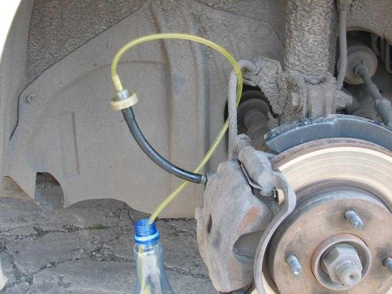 Как правильно прокачать тормоза – все нюансы, порядок действий