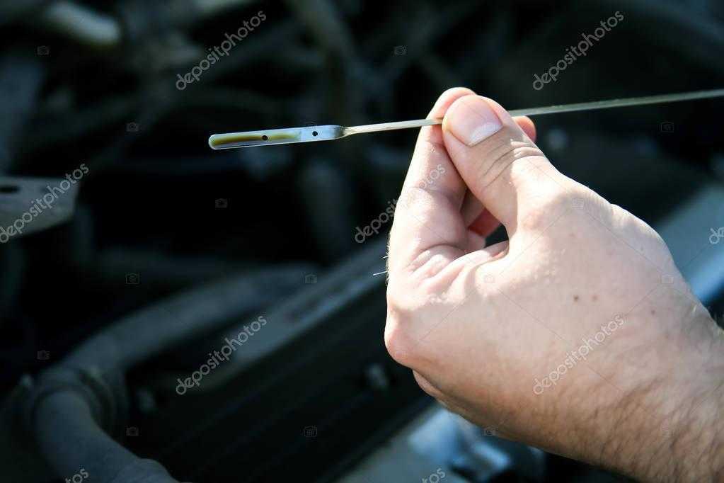 Упал уровень масла в двигателе: почему так происходит | блог об автомобилях