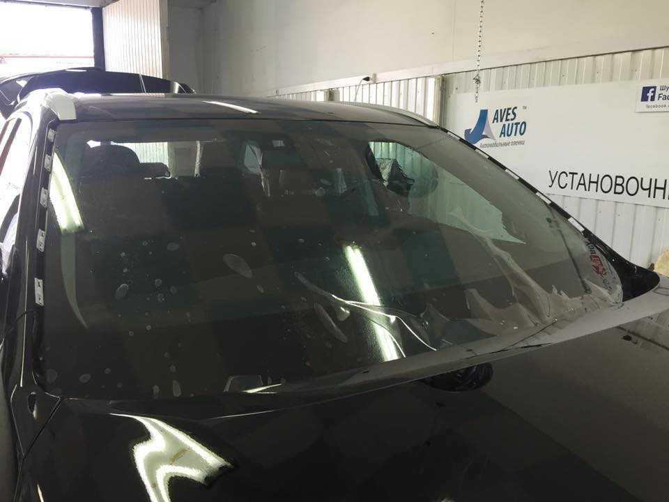 Как убрать трещину на лобовом стекле машины