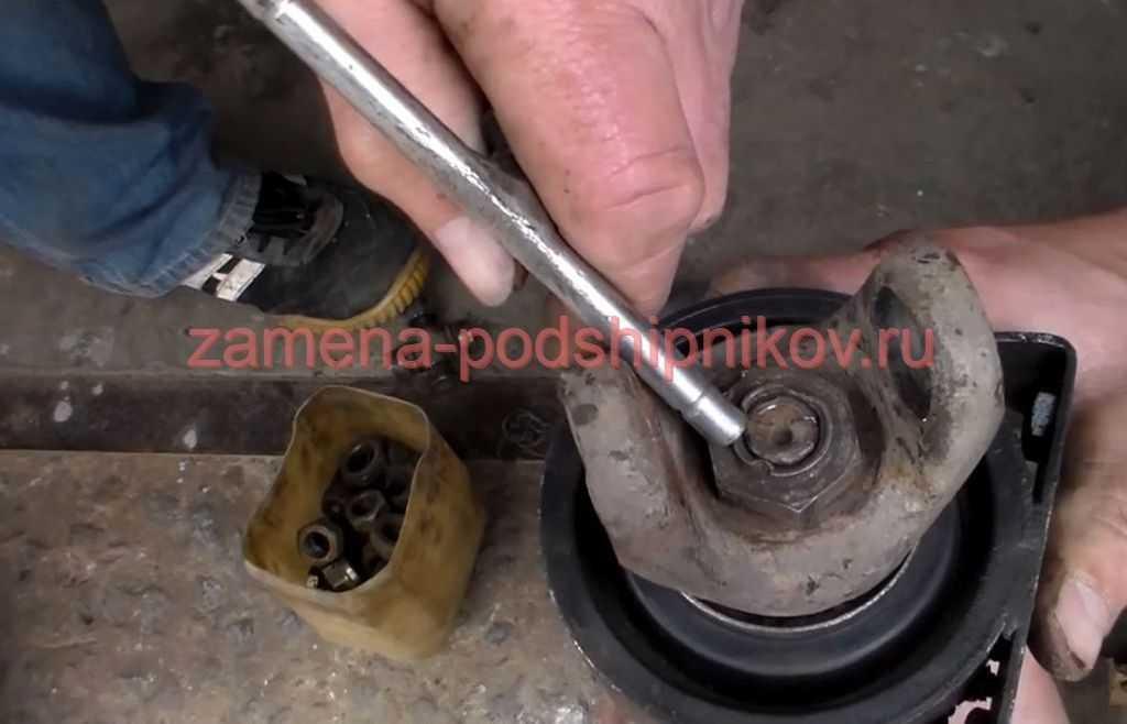 Ремонт ваз 2107 (жигули) : возможные неисправности карданной передачи, их причины и методы устранения