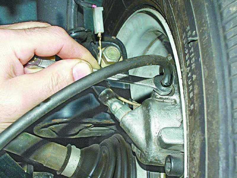 Как правильно прокачать тормоза?
