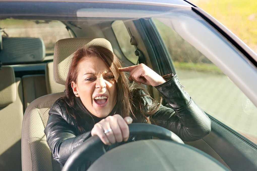 Мифы о женщинах за рулем / женщина и город