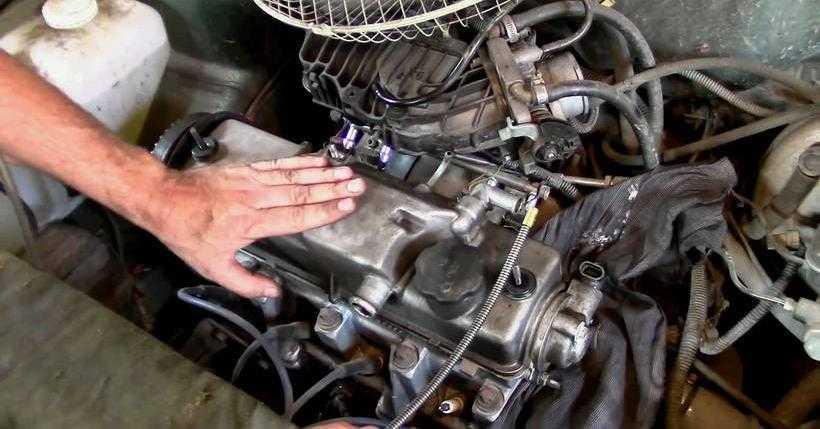 Стук в двигателе на холостых оборотах – что делать?