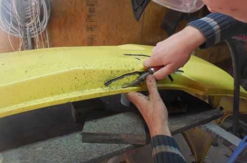 Как заделать трещину в бампере своими руками – как склеить бампер своими руками в домашних условиях: способы, пошаговая инструкция