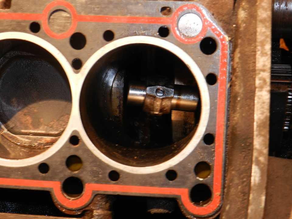 Как сделать так чтобы двигатель стуканул