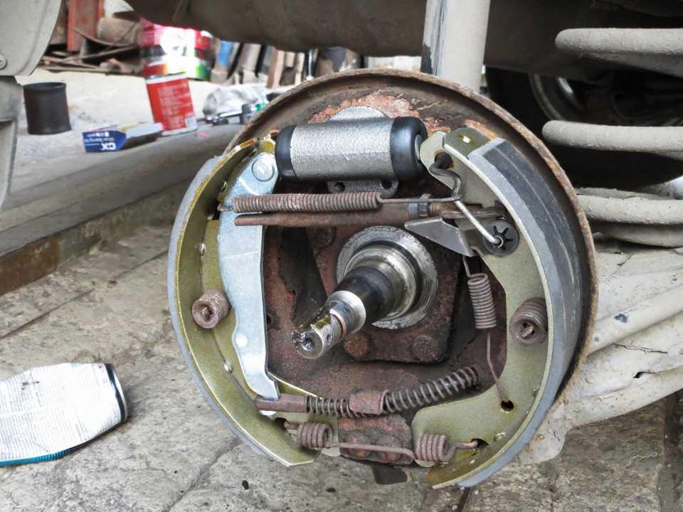 Замена колодок ниссан альмера подробная инструкция с фотографиями — авторемонт, замена своими силами