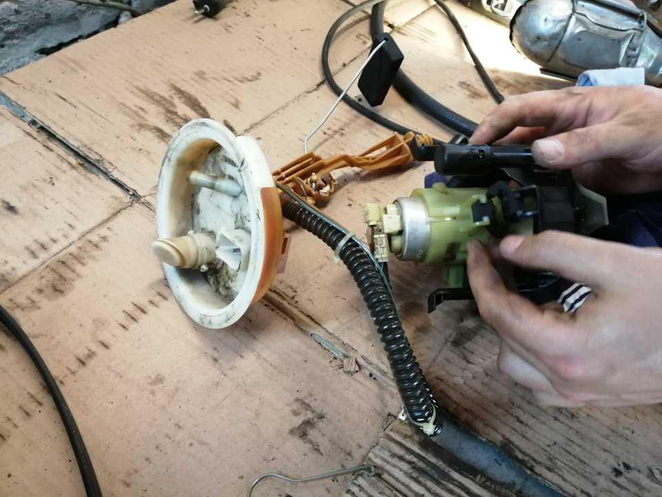 Ремонт бензобака своими руками: как отремонтировать топливный бак автомобиля, неисправности, замена составляющих, чем и как покрасить изнутри и снаружи +видео » автоноватор