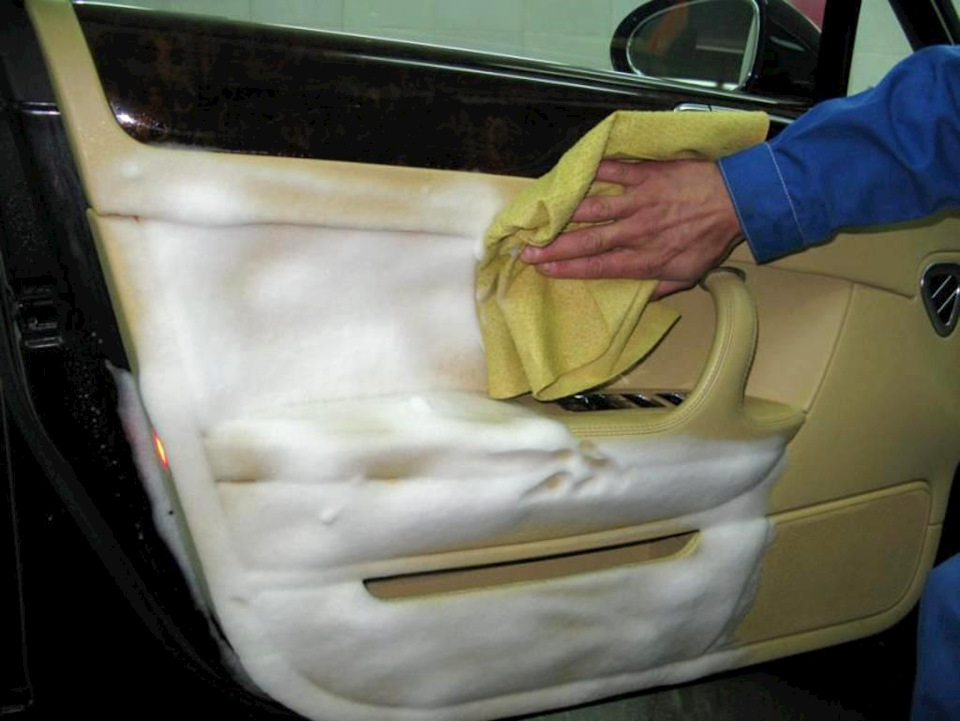 Как быстро и качественно помыть зимние колеса перед летним хранением: простые способы