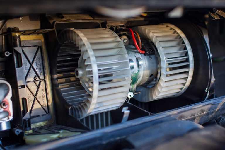 Не греет печка в машине: все возможные причины и решения